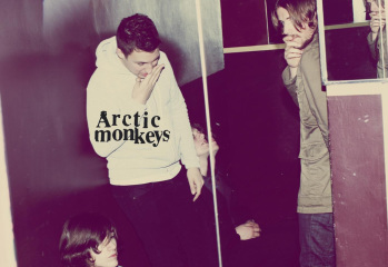 Arctic-Monkeys-Humbug