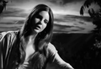 2015-10-03 22_15_43-Lana Del Rey - Music To Watch Boys To - YouTube